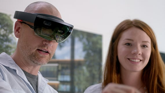 Collaborating in mixed reality using Microsoft HoloLens