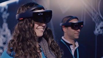 A Build 2017 attendee demos Microsoft HoloLens